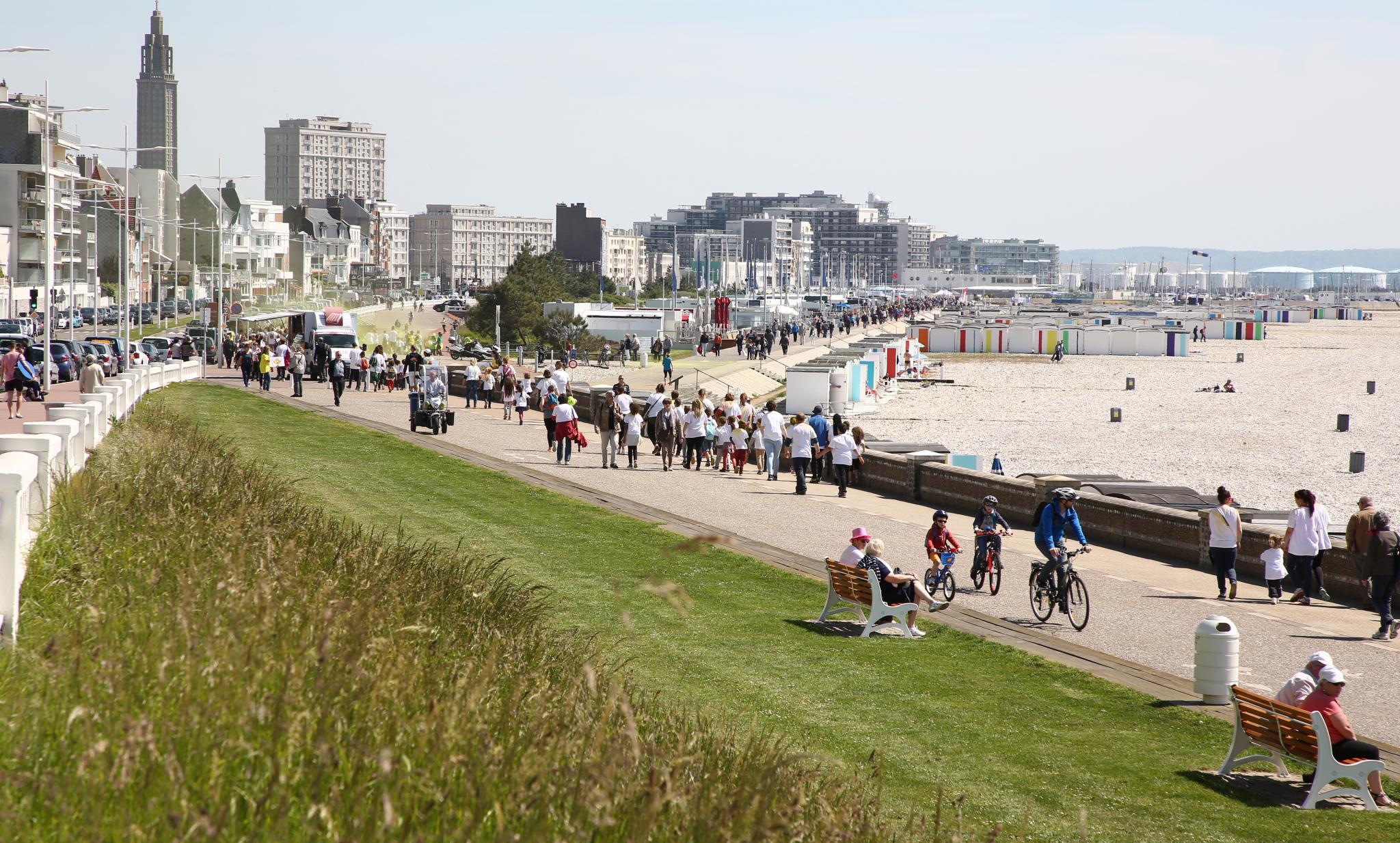 La plage, 2 km de promenade