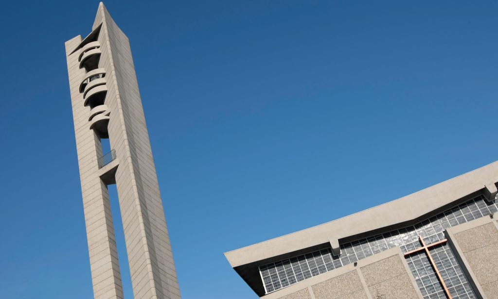 Vue extérieure de l'église Saint-Michel