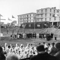 Parvis de l'Eglise Saint-Joseph en chantier, 1951