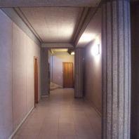 couloir au niveau du hall d'entrée du S55.jpg