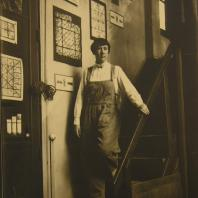 Portrait Marguerite Huré, dans son atelier de Boulogne-Billancourt.