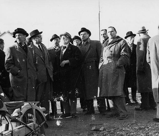 Première visite d'Auguste Perret et son équipe en 1947